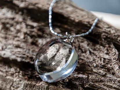 Schmuckanhänger aus Glas